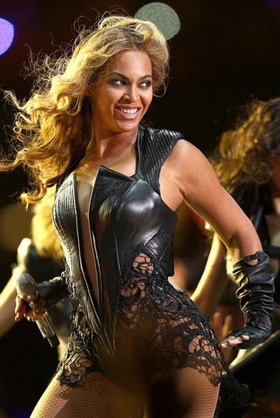 Beyonce+Knowles+Pepsi+Super+Bowl+XLVII+Halftime+EUsXAGXchusl1-400