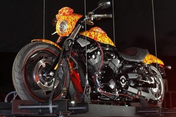 jack-armstrongs-million-dollar-harley_VjOP2_48