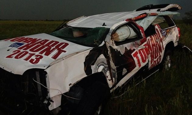 Weather-Channel-SUV-crushed-during-Oklahoma-tornado-with-video