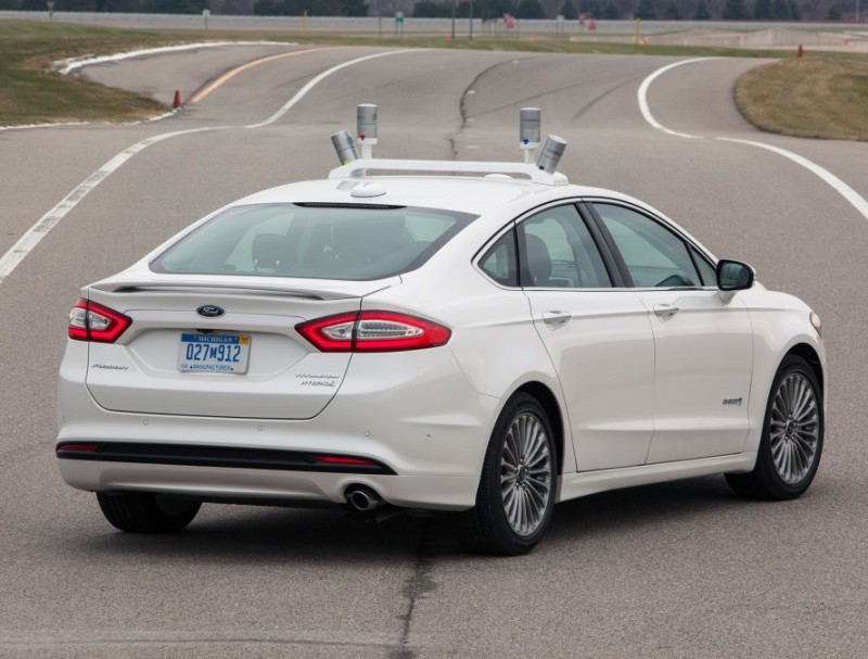 Ford-Fusion-Autonomous-Self-Driving-Car-California-7-889x675