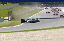 Hamilton crashes out with Rosberg to take out Mercedes from the Spanish F1GP