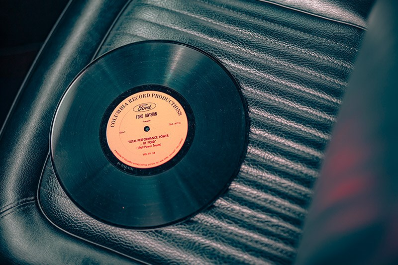 ford-mustang-vinyl